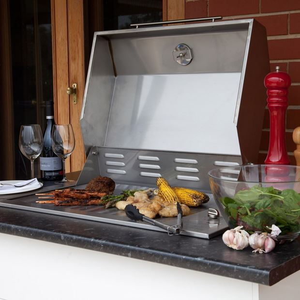 Roasting with a Flat Plate Island Gourmet Elite Barbecue